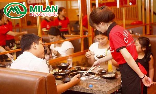 Thái độ phục vụ nhân viên nhà hàng
